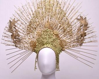 "Cassiopea - majestic headdress "" Fraise au Loup "" - Queen - Crown - Luxury - Couture - Paris"