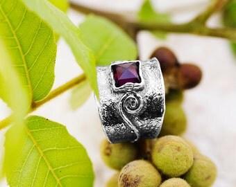 Red Garnet Ring, Silver Garnet Ring, Sterling Silver Ring, January Birthstone ring, Winter Ring, Red Ring, Handmade ,Winter jewelry