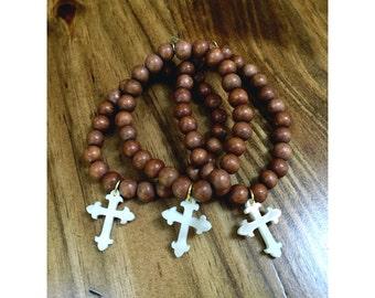 Acrylic cross beaded bracelet