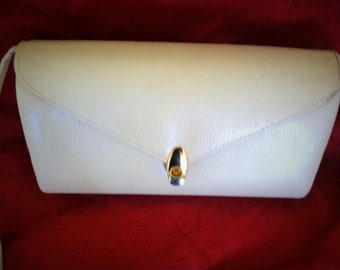 Vintage 80's  Cream Clam Purse with Gold Fastener