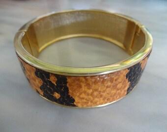 1970s Vintage Gold Tone & Faux Snakeskin Bangle, Vintage snakeskin bangle