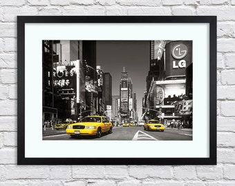 New York City - Times Square - Yellow Cabs - Large Mounted & Framed Poster Art Print A2 - 31 x 24 Inches  ( 75 x 61 cm )