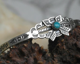 Vintage Bell Trading Post Navajo Child's turquoise Sterling Silver Cuff