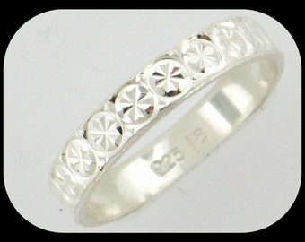 925 Sterling Silver Diamond-Cut Wedding Band Ring 8.5