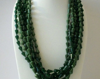 ON SALE Vintage 1960s Chunky Green Shades Necklace 8716