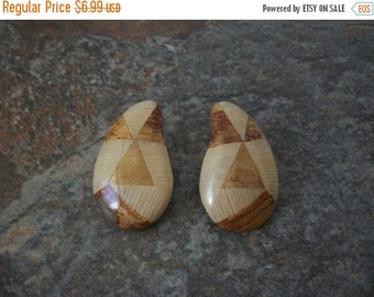 ON SALE Retro Over Sized Neutral Earthy Lacquered Wood Earrings 1379