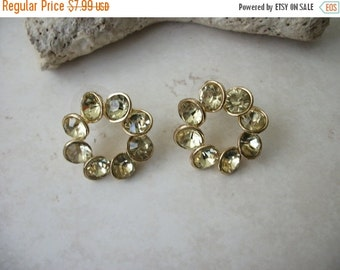 ON SALE Vintage 1950s Gold Tone Palest Yellow Rhinestone Earrings 51216