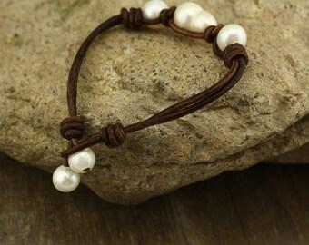 Freshwater pearl bracelet,leather bracelet with white pearl,natural pearl leather bracelet,real leather bracelet,pearl on leather,WYJ-B101