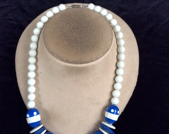 Vintage Chunky Blue & White Beaded Necklace