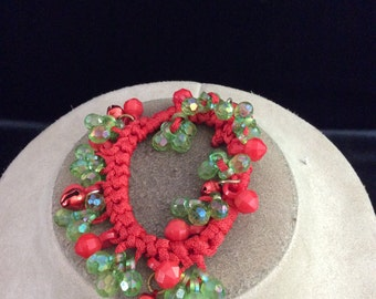 Vintage Dangling Green Irridesent & Red Bell Charm Christmas Bracelet