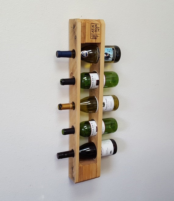reclaimed pallet wine rack wall mounted by bluefoxfurnishings. Black Bedroom Furniture Sets. Home Design Ideas