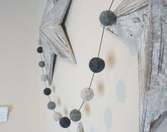 Stone and Co Felt Ball Pom Pom Garland 20 x 2.5cm Balls in Natural Greys