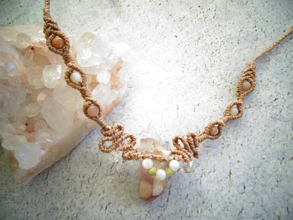Lithium Quartz w/ Green Garnet,White Moonstone,Peach Moonstone&Clear Qtz Macrame Necklace,Healing Crystal,Boho,Hippie,Fairy,Elf,Gypsy,マクラメ