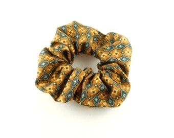 Scrunchie - vintage style - vintage yellow mustard with motif blue diamonds