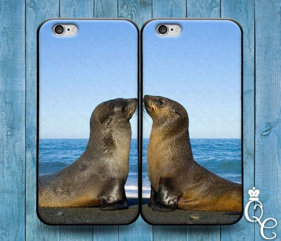 iPhone 4 4s 5 5s 5c SE 6 6s 7 plus + iPod Touch 4th 5th 6th Gen Cute Best Friends Baby Seal Ocean Beach Phone Cover Bff Girl Boy Kiss Case