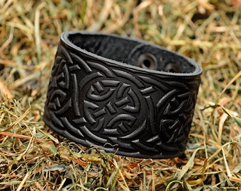 Arm guard Leather Bracelet Cuff Wristband Celtic Knotwork Celtic Braid  Viking bracelet
