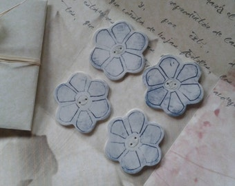 Buttons blue flowers