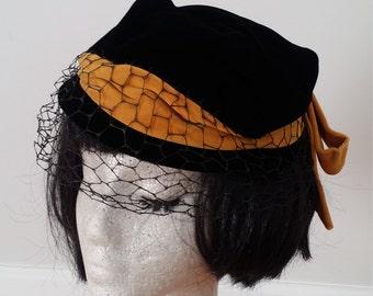 REDUCED 1950s Dachette slouch/tilt hat- velvet black and gold