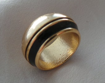 Ring vintage Lanvin size 47 unsigned black enamel gold plated brass