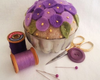 Vintage Jello Mold Pin Cushion,Jello Mold Pin Cushion,Pin Cushion,Violet Pin Cushion,Floral Pin Cushion,Felt Pin Cushion, Vintage Jello Mold