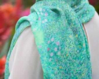Superzachte sjaal in modal/silk, 110 x 110 cm met de naam  Wishing Garden
