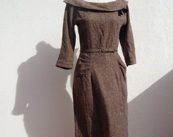 Vintage 1950s wiggle dress, brown herringbone wool, small to médium