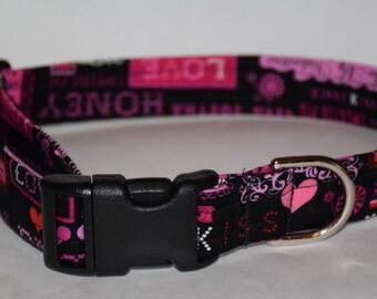 Valentine's Day Dog Collar –   Pink Hearts Dog Collar – Valentine's Day Scroll Dog Collar – Valentine's Day Print Dog Collar