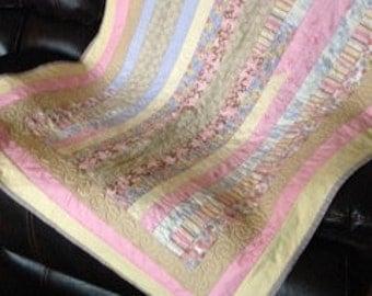 Pretty Handmade quilt..Neopolitan