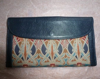 Liberty of London leather and cloth 2 sided purse, iconic ianthe print
