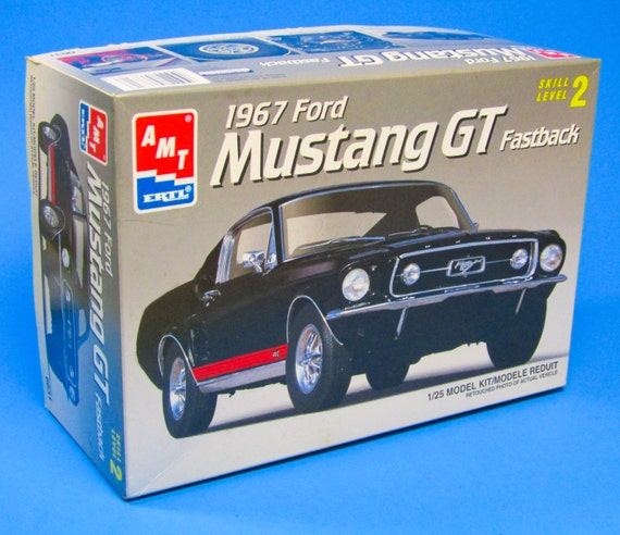 1967 Ford Mustang GT Fastback Model Kit