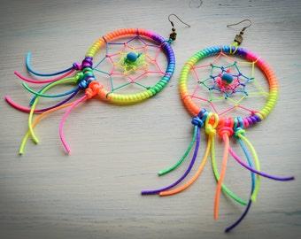 Dream catcher black light earrings / Illuminated earrings / Black Light earrings / Festival earrings / Glowing earrings / Rave earrings