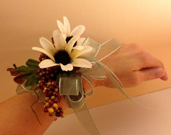Silk African Daisy Wristlet Corsage - Wrist Corsage - Homecoming Corsage - Prom Corsage