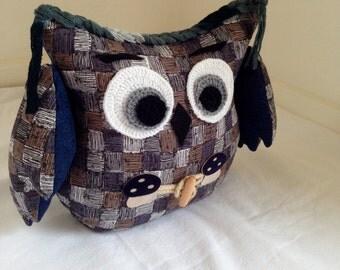 door stoop owl