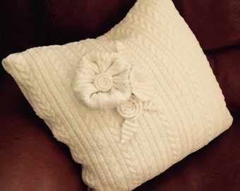 Cotton cable knit pillow