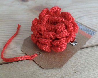 Red flower brooch. Crochet flower pin. crochet flower