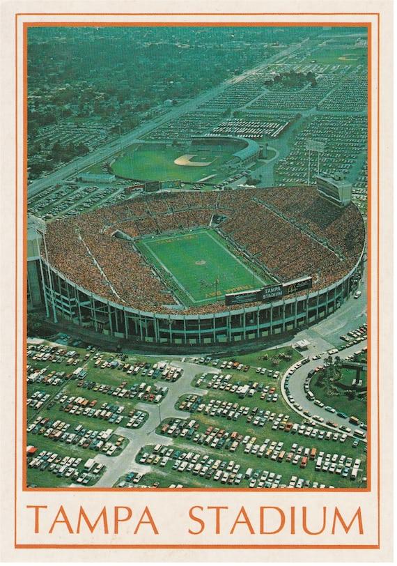 Tampa, Florida - Tampa Stadium - Postcard - 1992