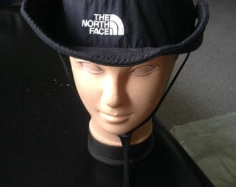 Vintage The North Face fishing/outdoors bucket hat/cap.