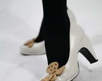 Vintage CHARLES JOURDAN White Leather Court shoe