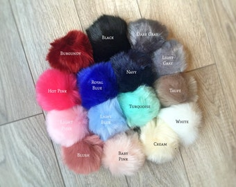 Faux fur Pom Pom keychains, furry key chains, large fur balls, pom pom keychain, fur ball keychain, furry pom pom ball