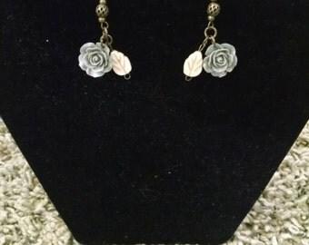 Gray rose dangle earring