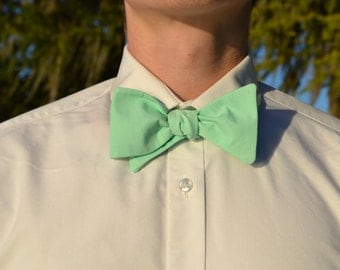 Sea Foam Green Bow Tie