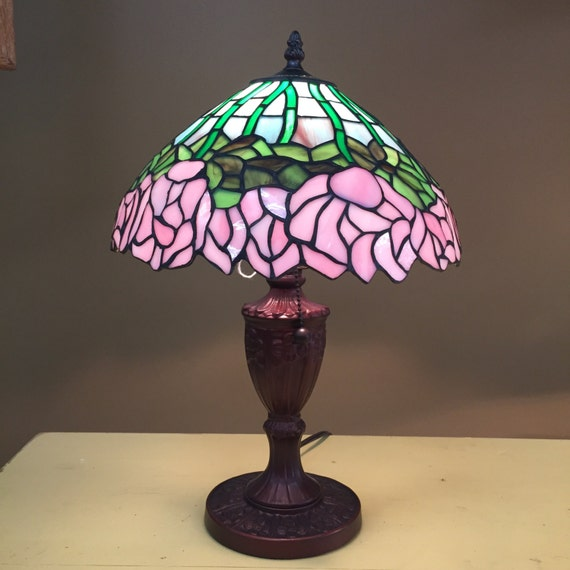 tiffany style hanging flowers floral stained glass lamp. Black Bedroom Furniture Sets. Home Design Ideas