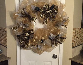 Lux Black and Gold Christmas Wreath