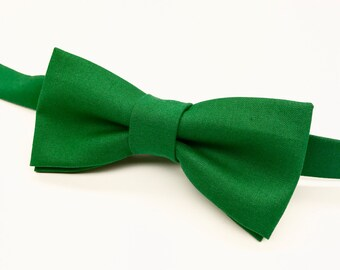 Emerald Green Bow tie, Green Bow tie, Green Christmas Bow tie, Men's Green Bow tie, Green Bowtie, Kid's Green Bow tie, Kelly Green Bow tie