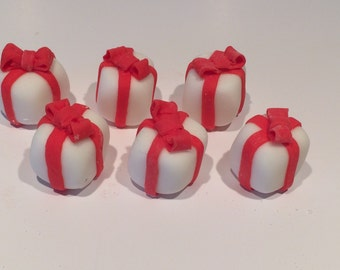 Edible 3D Present Cupcake Toppers