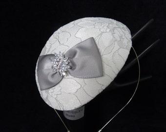 Ivory silver lace teardrop fascinator bridal hat 40s 50s retro vintage style bridal headpiece