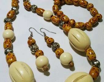 Brown Chunky Necklace and Earrings Set.