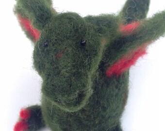Dragolino, small green dragon made of felt
