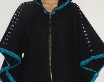 ladies black coat/shawl