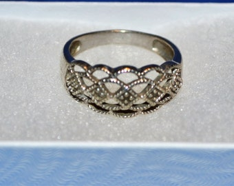 R013 Solid Sterling Silver 2 Genuine Diamond Scalloped Open Design Ring - Size 7.75